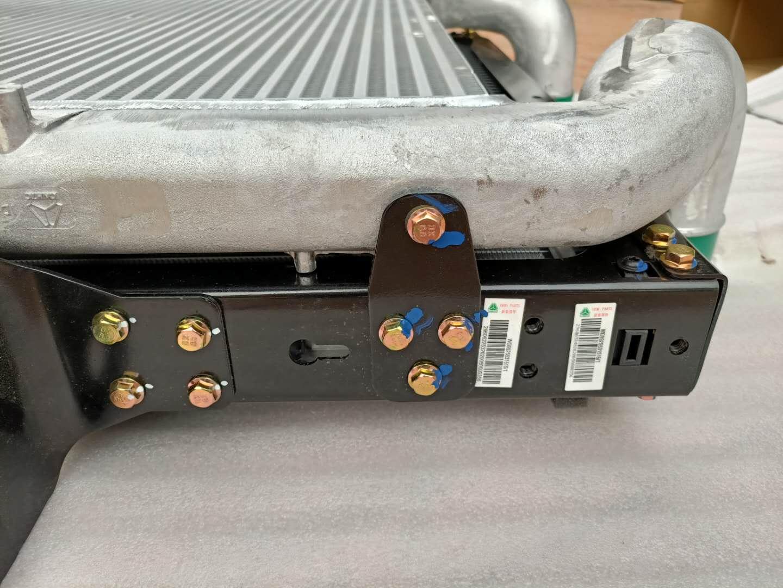 重汽原厂WG9525531516中冷器
